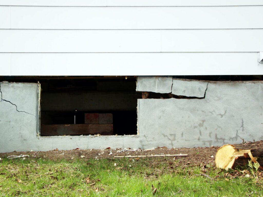 a damage concrete wall